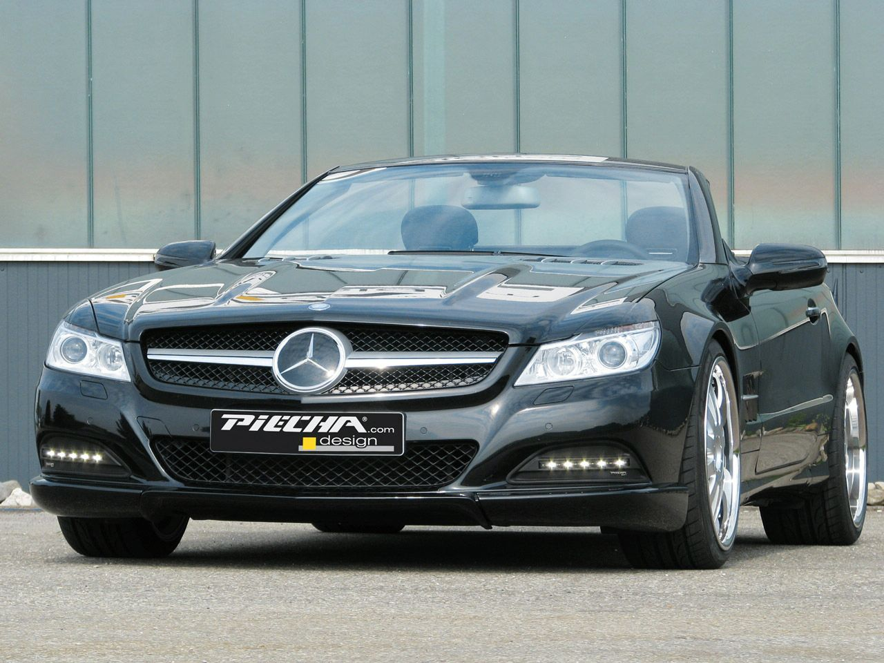 Piecha design mercedes benz sl r230 avalange rs news for Mercedes benz sl r230
